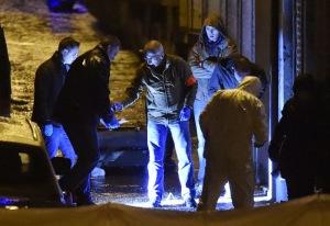 Belgijski preiskovalci na delu v Verviersu (Vir: (c) JOHN THYS - BELGAIMAGE via RTBF.be)